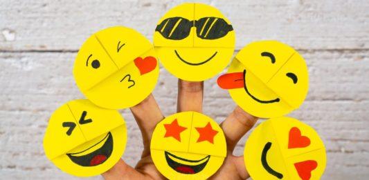 Kağıttan Emoji Yapımı - Okul Öncesi Etkinlikleri - emoji yapımı kağıttan neler yapılır kolay kağıttan yapılan kolay şeyler youtube origami 1